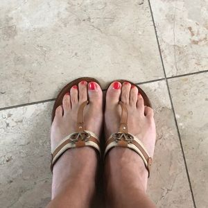 100% authentic Valentino leather sandals 🌺